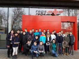 Schulsanis on tour! - Besichtigung bei der REGA